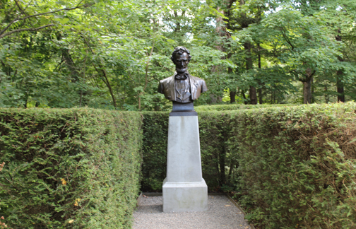 Statue of Lincoln at Saint-Gaudens House in Cornish